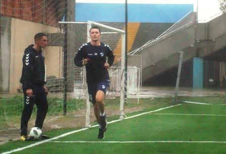 1ra Nacional - Leo González sigue entrenando con Quilmes.