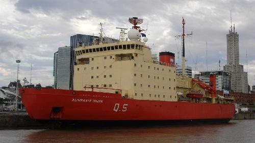 El rompehielos Almirante Irízar realiza una navegación de prueba  luego de 10 años de inactividad