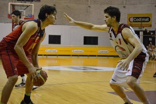 Basquet Federal - Con 12 puntos de Esteban Silva, Bahiense gana y accede a la punta.