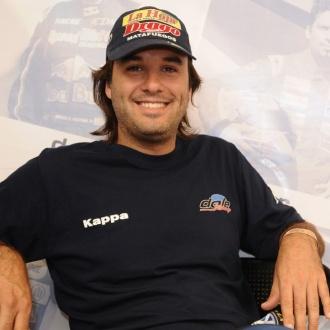 Sergio Alaux con el 8 estampado en su Turismo Carretera para la presente temporada.