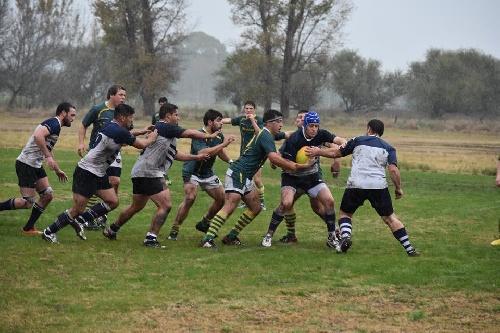 Rugby - Club Sarmiento batió a Universitario B por el Oficial de Desarrollo de la URS.