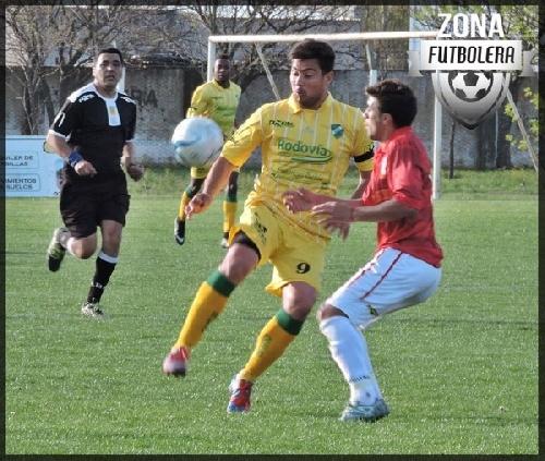 Esteban Angelini, goleador bahiense se incorpora a Unión de Tornquist para el Federal C.