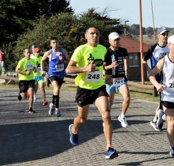 Atletismo - Ariel Parada primero en su categoría en los 10 k de Monte Hermoso.