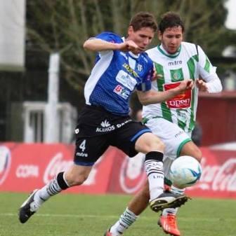 Liga del Sur - Facundo Lagrimal sumó minutos en la victoria de Liniers.
