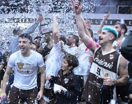 Liga Argentina - Platense venció a San Isidro y es el campeón ascendiendo a la Liga Nacional.