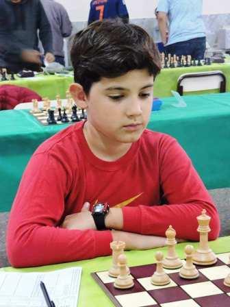 Ajedrez - Juan Cruz Hoffman venció y se acerca al líder del torneo.