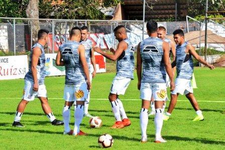 Futbol Paraguayo - Marcos Litre formó parte del equipo que empató ante General Díaz.