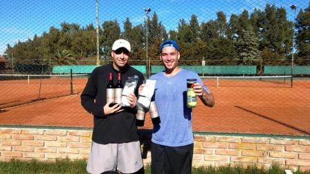 Tenis del Oeste - El pehuajense Duberti venció a Matías Martínez en Pehuajó.