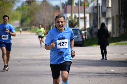 Atletismo - Maratón Solidaria Bahiense - Avelino Lozano culminó 4° en su categoría