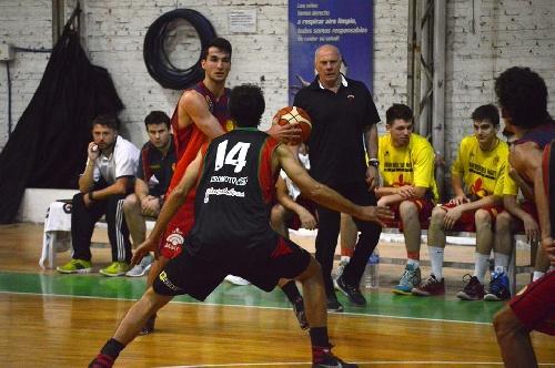 Basquet Bahiense - Bahiense derrotó a Alem - 15 puntos para Silva - Liniers sigue en la punta del torneo.