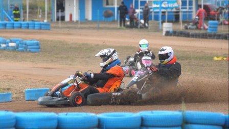 Karting - La Asociación Bahiense se presentó en el kartódromo de Saavedra.