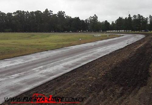TC del Sudoeste - Actividad demorada en el circuito de San Cayetano por lloviznas en la región.