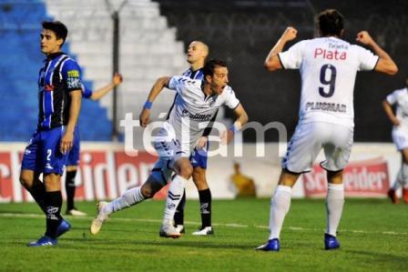 1ra Nacional - Leandro González convirtió en Quilmes ante Almagro.