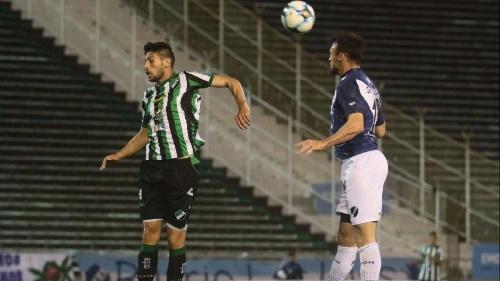 Federal A - Alvarado con Marcos Litre debió conformarse con un empate ante Villa Mitre.
