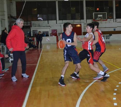 Basquet Valle Inferior - San Martín de Viedma dirigido por Fiorido derrotó a Deportivo Patagones.