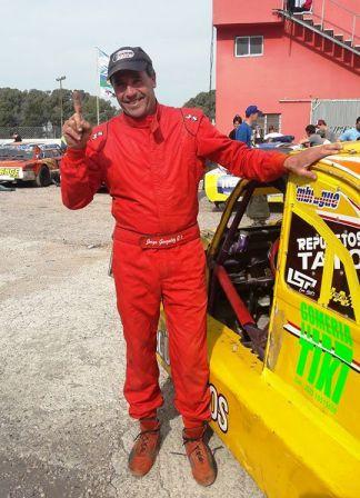 Luego del accidente, Jorge González anuncia su retiro del automovilismo.