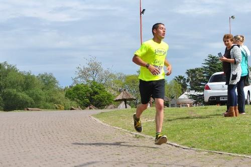 Atletismo - Puán - Yanina Clair y René Velázquez segundos en sus generales sobre 9 km.