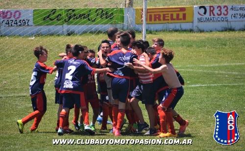 LRF - 8va División - Automoto de Tornquist venció a Sarmiento y es el campeón del Clausura.