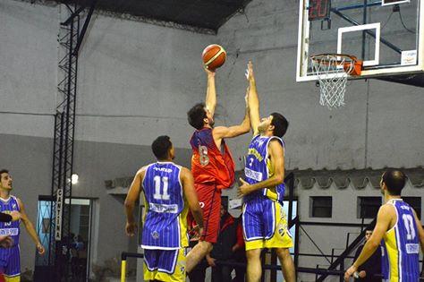 Basquet Bahiense - Triunfo de Bahiense sobre Pueyrredon. Esteban Silva goleador del partido con 20 puntos.