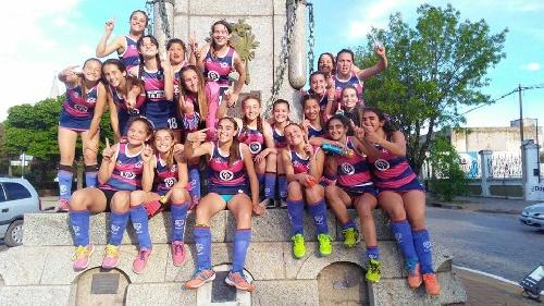 Hockey Femenino - El Cef 83 en 7ma se adjudicó el Anual 2017 - Club de Pelota ganador del Clausura en 1ra división.