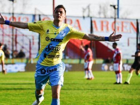 Leandro González convirtió para Témperley en amistoso ante Guayaquil City.