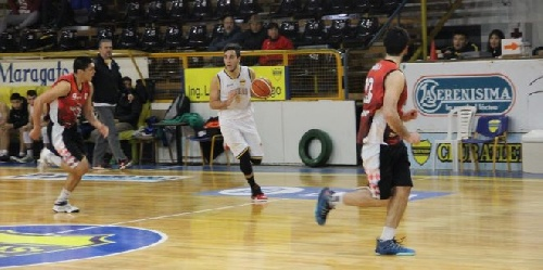 Basquet Valle Inferior - San Martín conducido por Ale Fiorido cayó ante un Atenas que se queda con el uno en la clasificación.