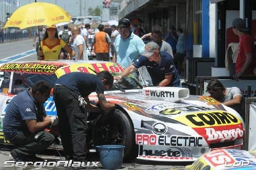 Turismo Carretera - Sergio Alaux se apresta para la competencia de Comodoro Rivadavia.
