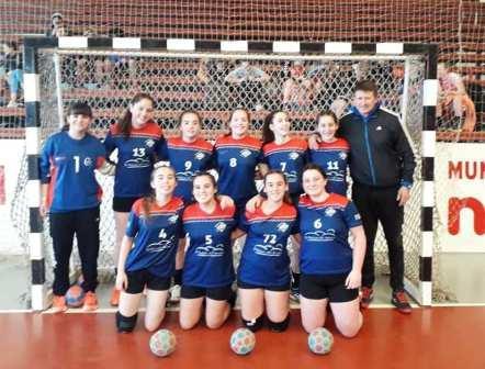 Handball Femenino - Las menores del Cef 83 vencieron a Los Toldos en Necochea.