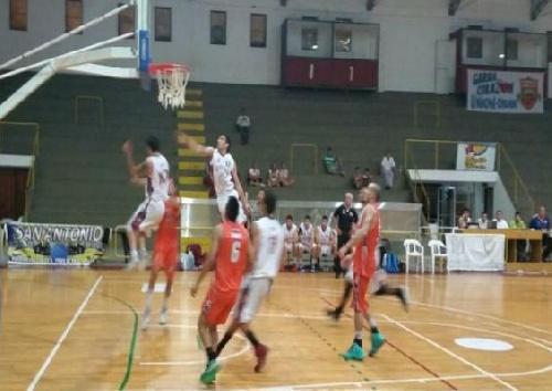 Basquet Federal - Unión de Orán derrotó a Olimpia de Catamarca con 6 puntos de Byscaychipi.