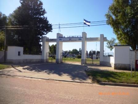 LRF - En el Eduardo Gayraud, Sarmiento recibe a Empleados de Comercio.