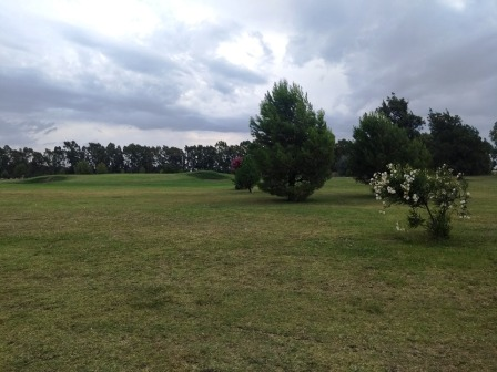 Golf - Participación local en los links del Laprida Golf Club.