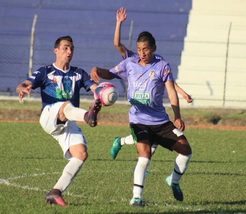 Futbol Boliviano - Martín Prost titular en Sport Boys ante The Strongest.