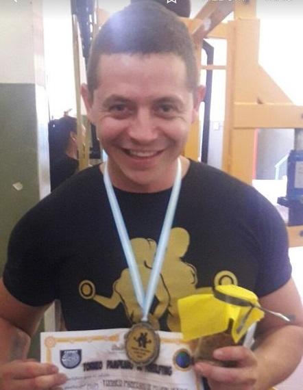Martín San Felice levantó 200 kilos en Santa Rosa