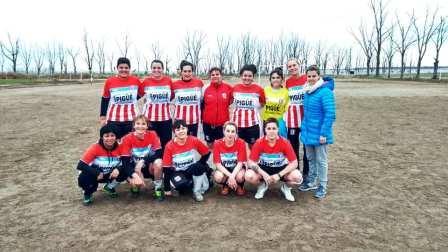 Fútbol Femenino - Unión Pigüé jugó sus primeros amistosos en Carhué.