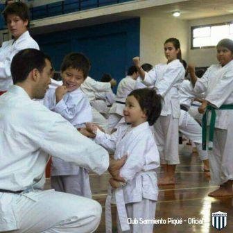 Karate - Actividades del Club Sarmiento.