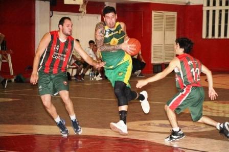 Basquet Tres Arroyos - 8 puntos de Damian Palma para la victoria de Deportivo Sarmiento.