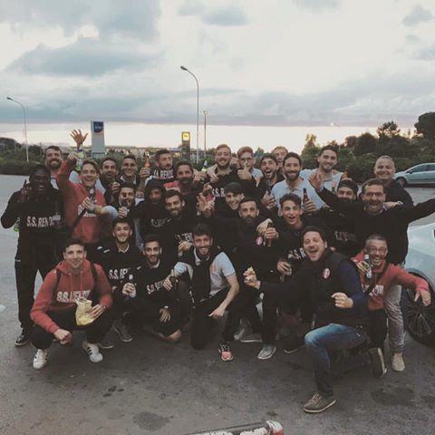 Calcio Serie D - Empate del Rende con Ginobili y el carhuense Actis en cancha.