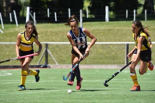 Hockey Femenino - Club Sarmiento finalizó su competencia en el Provincial.