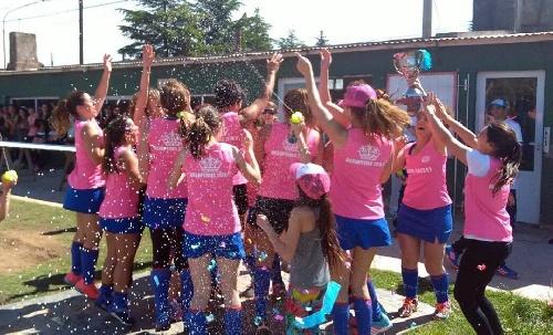 Hockey Femenino - Se desarrolló en el Parque Municipal una jornada del Torneo de Mamis.
