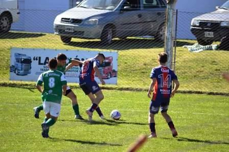 LRF - RESERVA - Peñarol goleó como local y lidera junto a Blanco y Negro la Zona A.