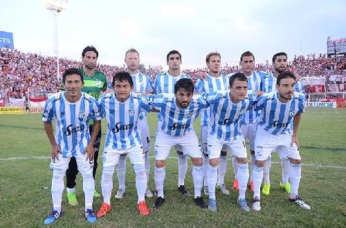 Leandro González no viaja a Salta con Atlético a jugar contra Racing ya que los titulares quedan en Tucumán
