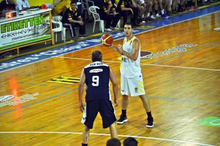 Basquet Santa Fe - Biscaychipy goleador de Ceci en su presentación en Sastre.