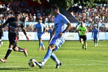 Nacional B - Leo González titular en Temperley para la victoria ante Brown.