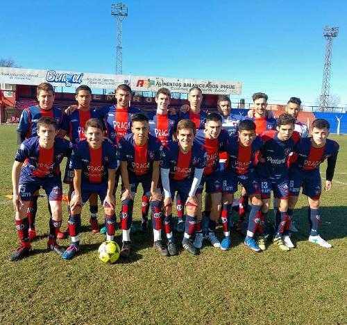 LRF - RESERVA - Peñarol goleó a Puan Fútbol Club y lidera la Zona A.