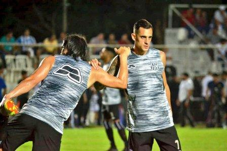 Marcos Litre comienza la pretemporada con el Deportivo Santaní.