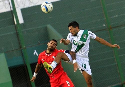 Erviti y Santiago Silva con serios conflictos en Banfield. Se agrava la crisis por falta de pagos con el plantel.