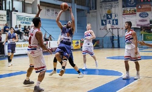 Basquet Federal - BH de Gualeguay derrotó a Ferro y empató la serie - 6 puntos para David Fric.