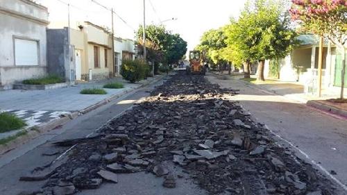 Cuidados de circulacion por trabajos de repavimentacion en la ciudad