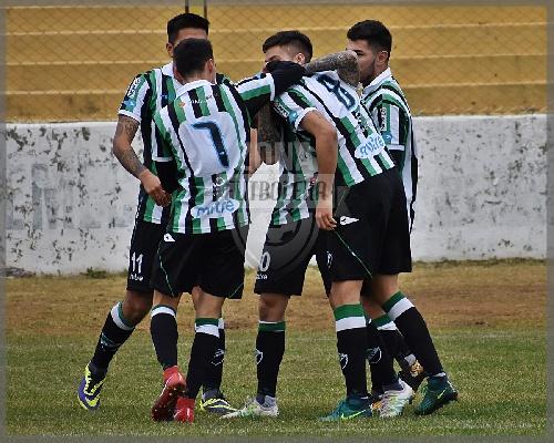 Liga del Sur - Villa Mitre derrotó a Huracán de White con Eric Verón y se metió en semifinales.
