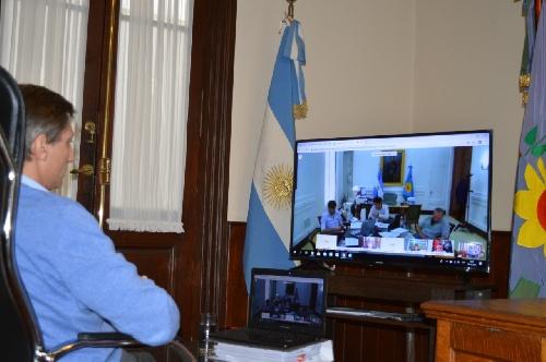 Videoconferencia del intendente y otros alcaldes con el gobernador